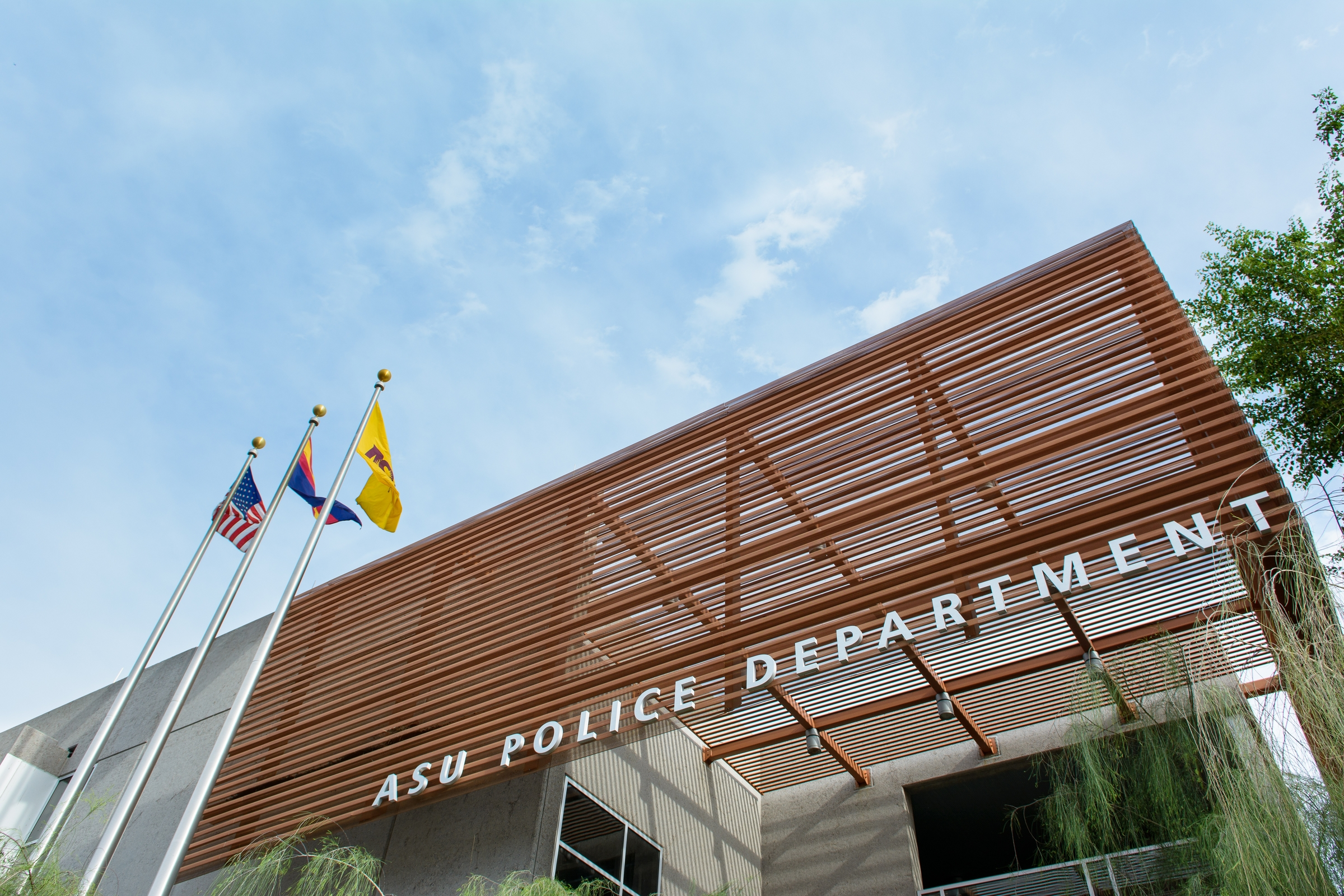 What is an interesting topic in Federal Law Enforcement to write about? (10 pts)?