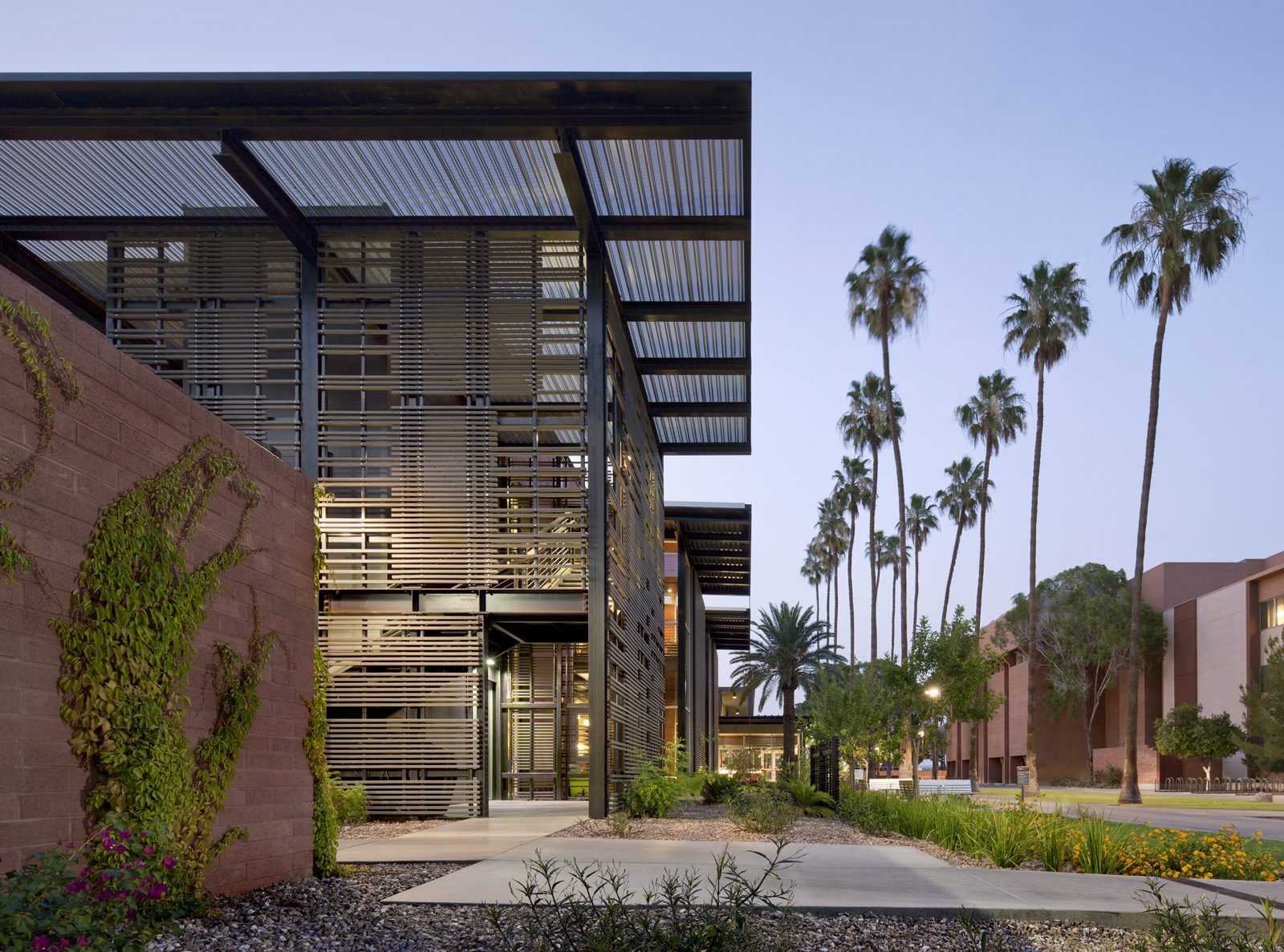 Green and healthy asu health service building awarded for Leed building design