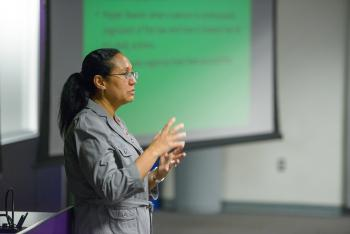 ASU anthropologist Maria Cruz-Torres giving a lecture