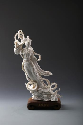 "Image credit: Xu Ruifeng, ""Chang'e's Ascent to the Moon."" Porcelain, 28 x 15 x 33 cm. Courtesy of the artist."