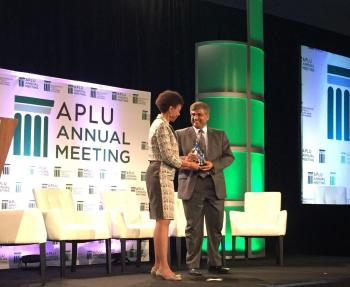 "Sethuraman Panchanathan accepts APLU's ""Connections"" award for ASU"