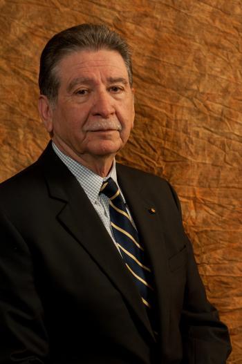 Carlos Vélez-Ibáñez