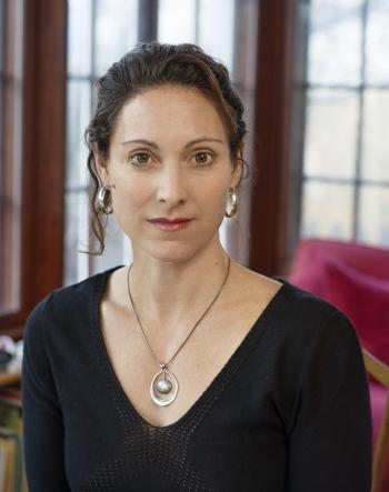 Headshot of bestselling author Emily Bazelon