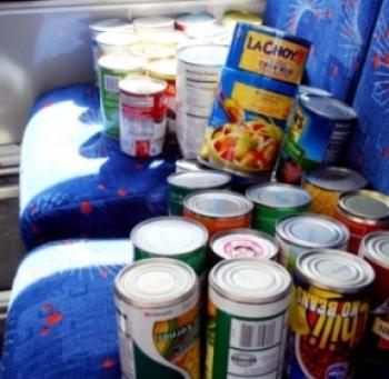 Canned food on FLASH shuttle seats