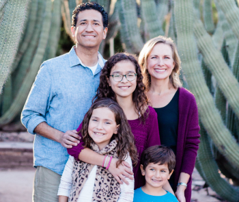 photo of Jessica Jarvi and family