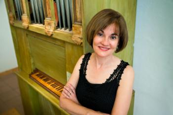 Kimberly Marshall with Traeri organ