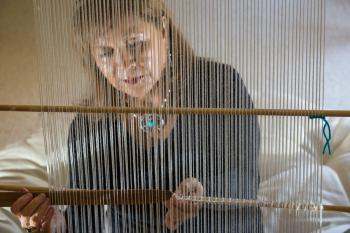 Laura Tohe weaving