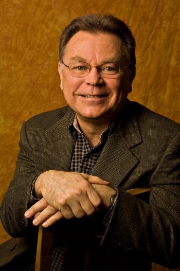 ASU Regents' Professor Alberto Ríos