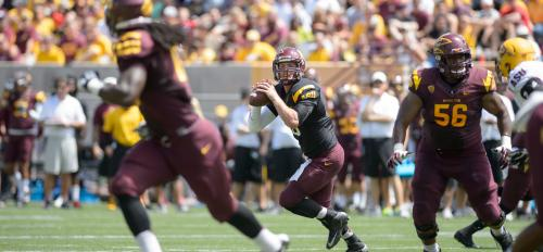 ASU quarterback Taylor Kelly looks to pass the ball during the spring game