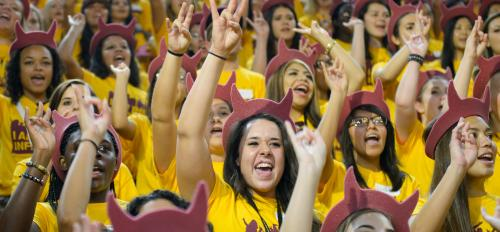 Students cheer at Fall Welcome