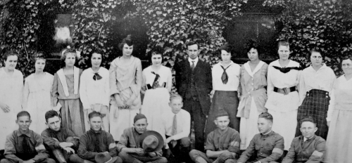 1919 photo of the freshman class of 40 students from The Sahuaro Yearbook