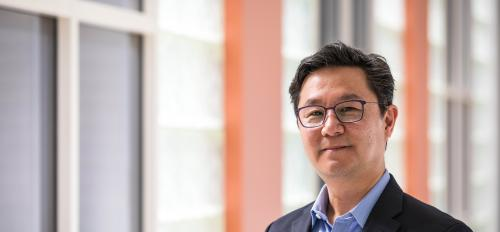 Professor Kenro Kusumi