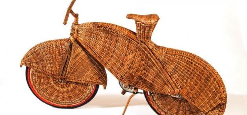 Jarbas Lopes, Cicloviaéra, 2006 Oisier (natural fiber vine) over bicycle