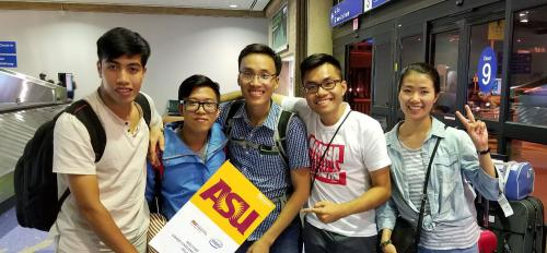 Five of six Vietnamese Fellows arrive at Sky Harbor Airport in Phoenix, Arizona.