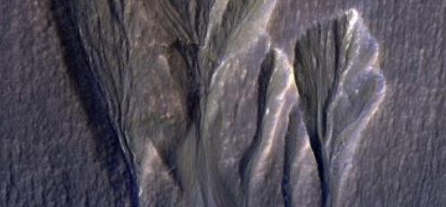 dusty water ice on Mars