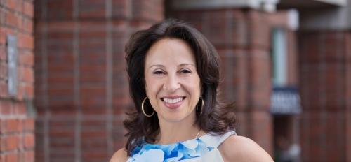 headshot of journliast Maria Hinojosa