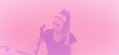 Image of professor Lauren Hayes performing sound art live