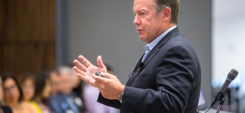 ASU President Michael Crow speaks at a Los Diablos alumni event