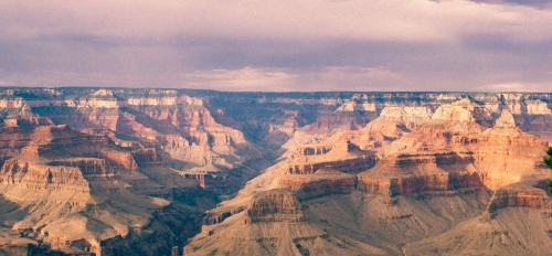 A wide photo of the Grand Canyon