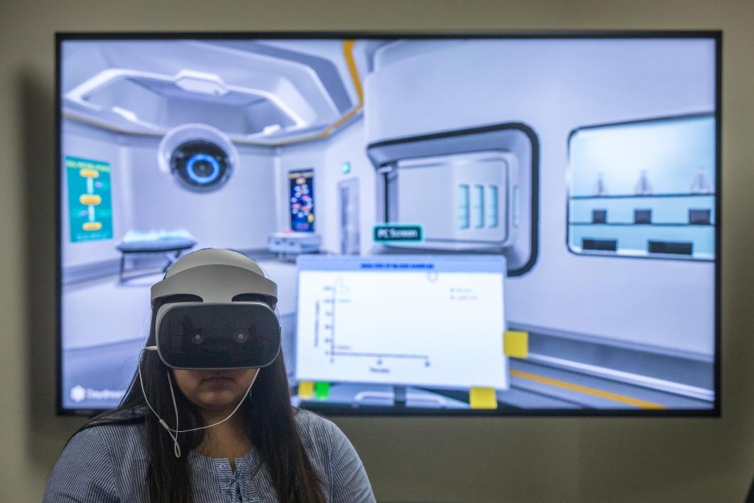 ASU Online biology course is first to offer virtual-reality lab in ...