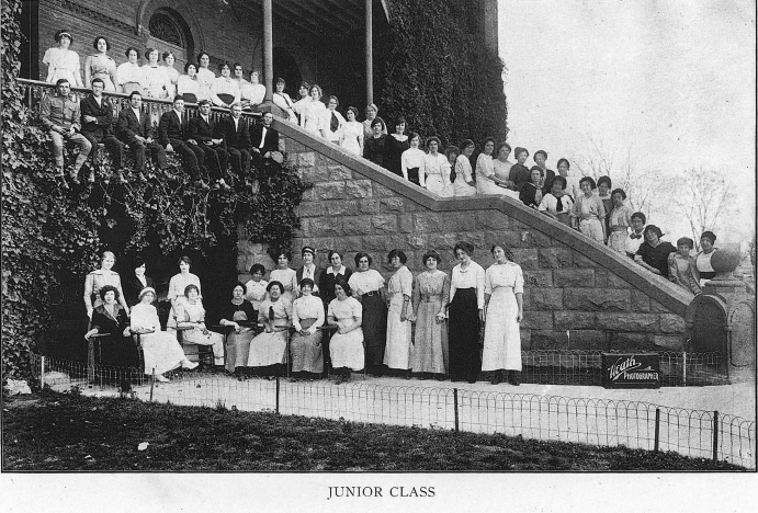 ASU junior class in 1914 on the steps of Old Main.