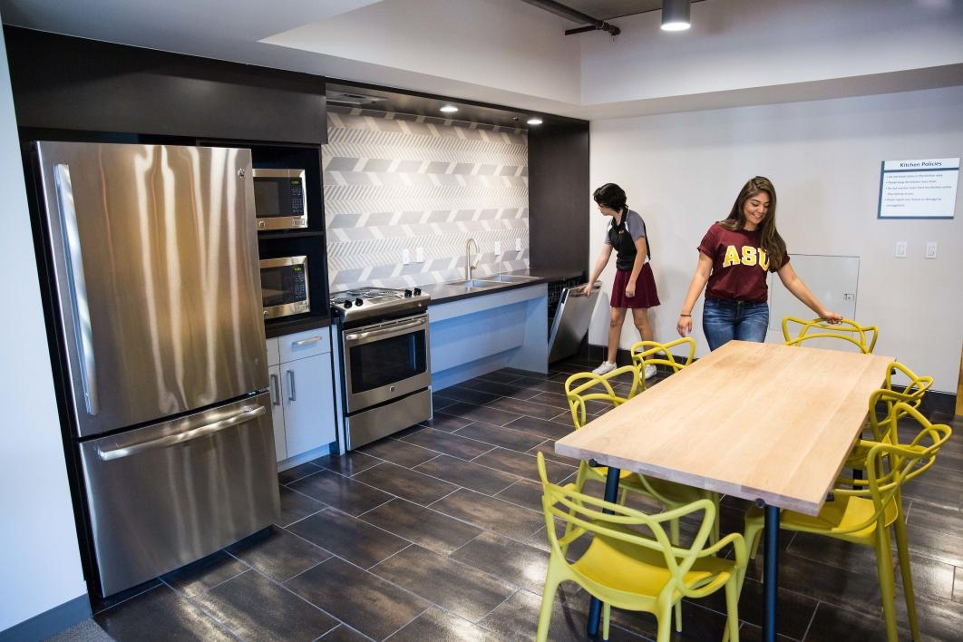 A student kitchen at Tooker House