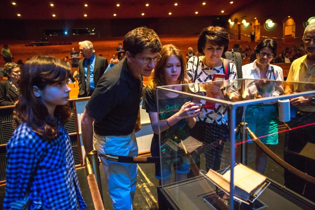 People look at the Federalist Papers in a case at ASU Gammage