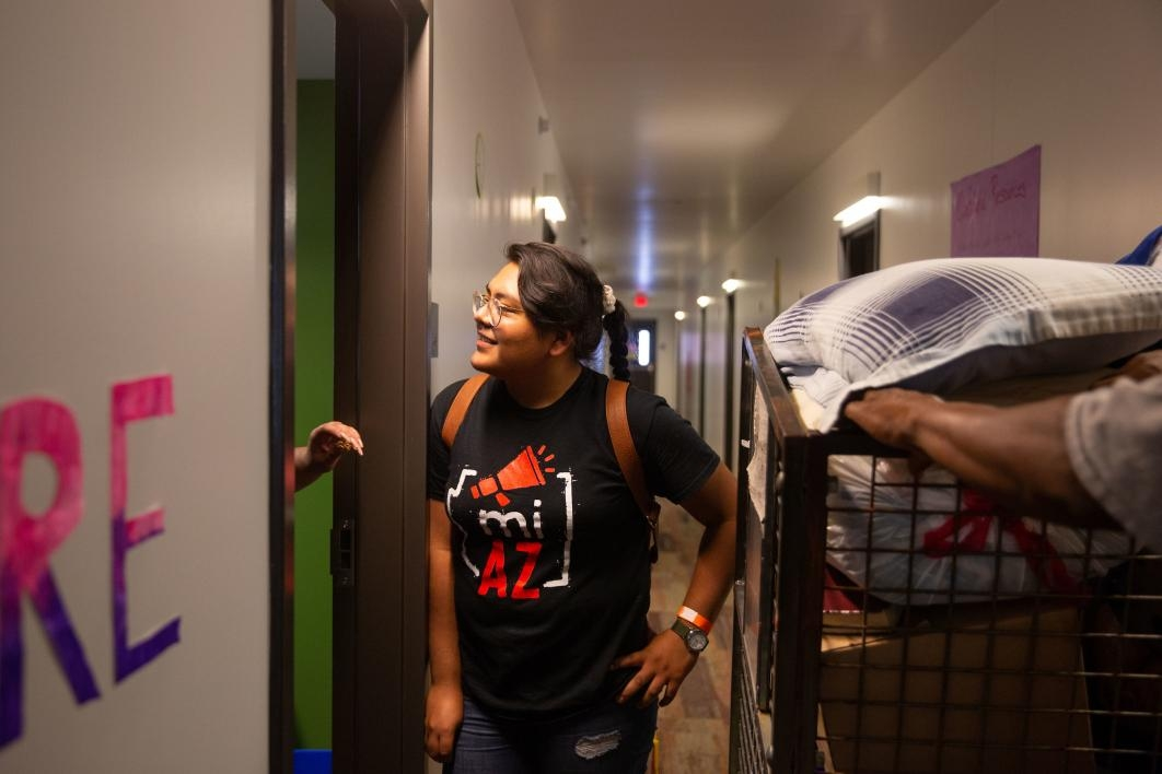 A student moves in her belongings at the Downtown Phoenix campus