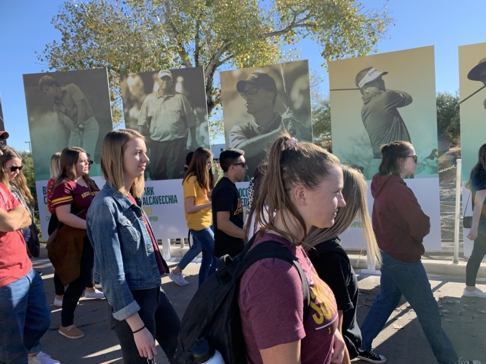 group of students walking through Phoenix Open