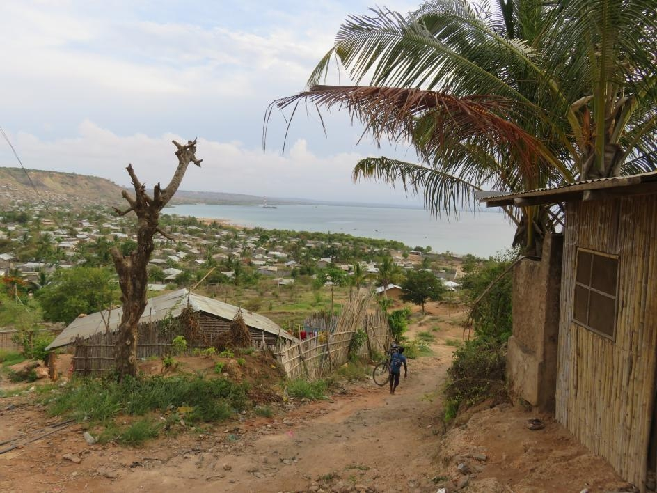 photo of coastal neighborhood in Mozambique