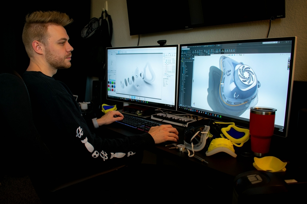 Preston Howell works on a 3D design