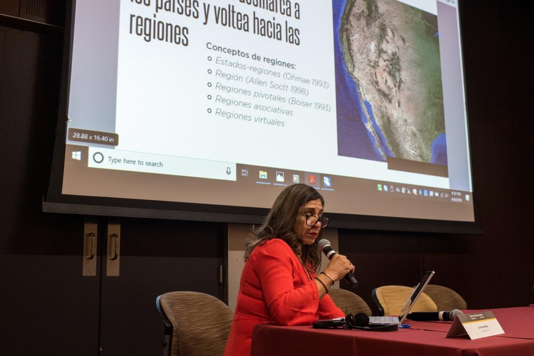 Yamilett Martínez, the director of the Sonora government's international cooperation office, discusses the history of cross-border business collaboration at the Arizona-Sonora Colloquium.