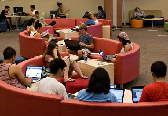 students working in the computing commons