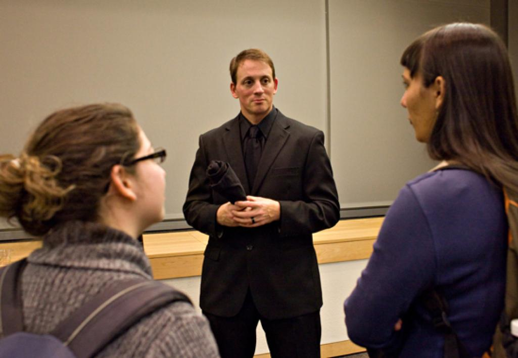 discussion between students and professor