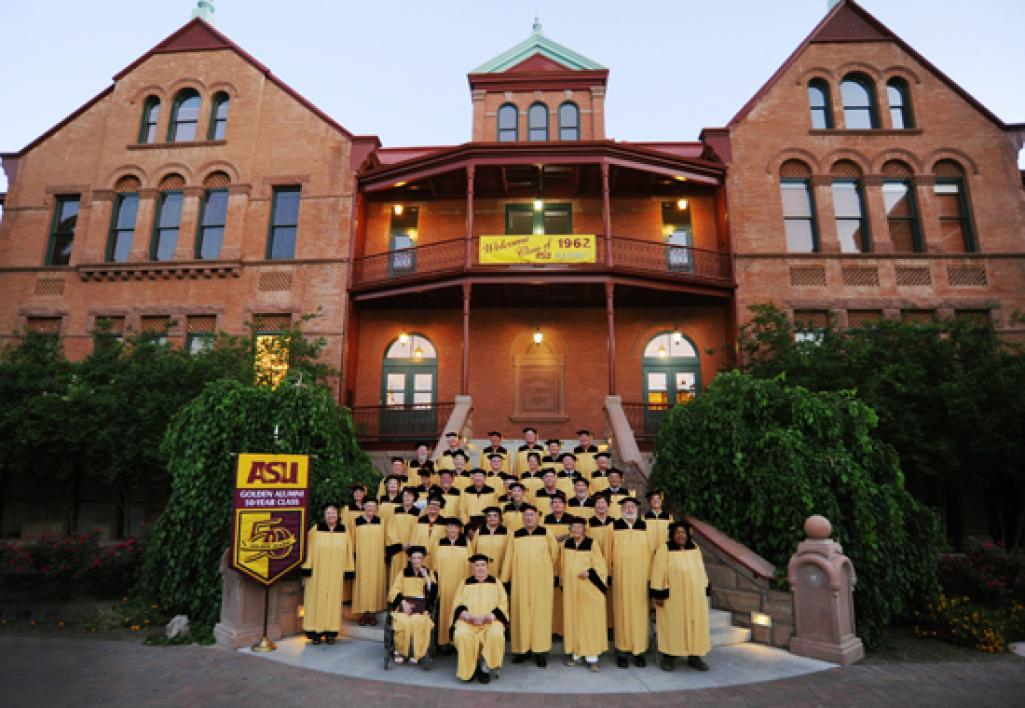Golden Class on steps of MU