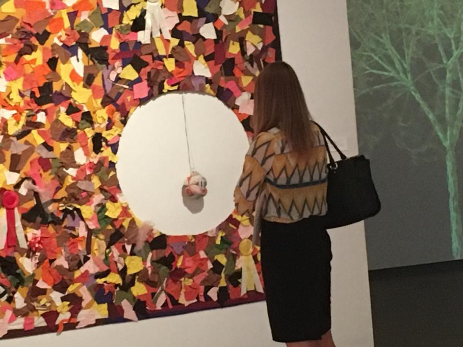 ASU history student browses Phoenix Art Museum