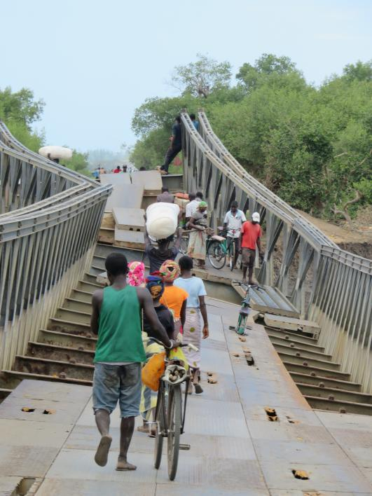 photo of a Mozambique bridge warped by flooding