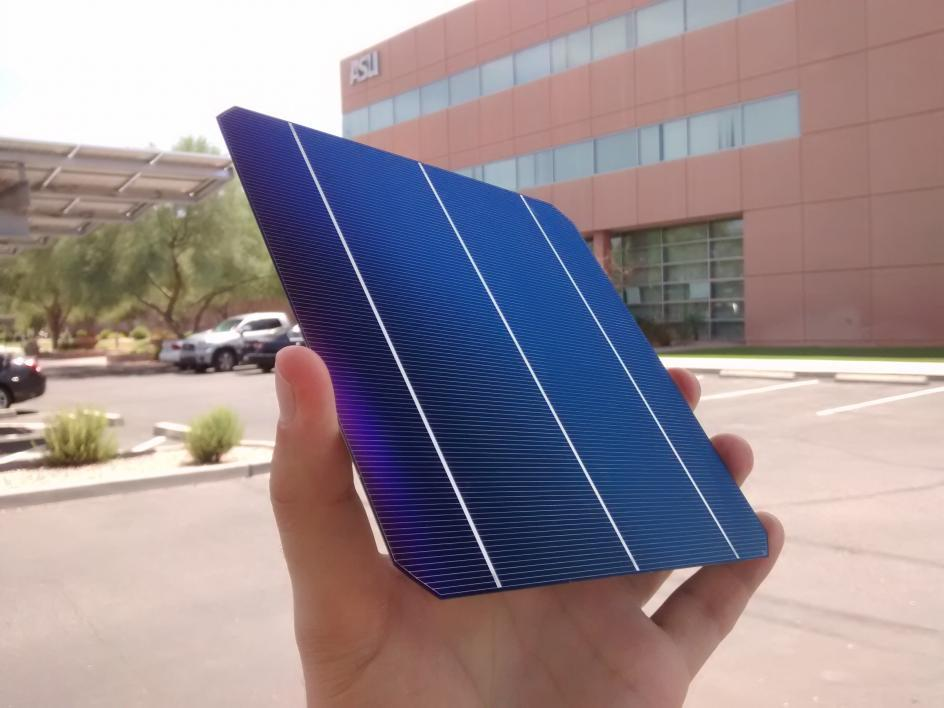 A silicon heterojunction solar cell Stanislau Herasimenka and Regher Solar are developing.