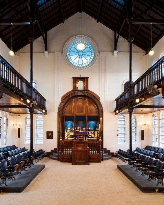 פנים בית כנסת יהודי