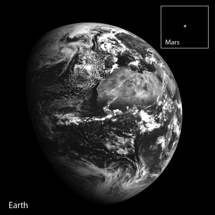 NASA image of the Earth and Mars from the Lunar Reconnaissance Orbiter