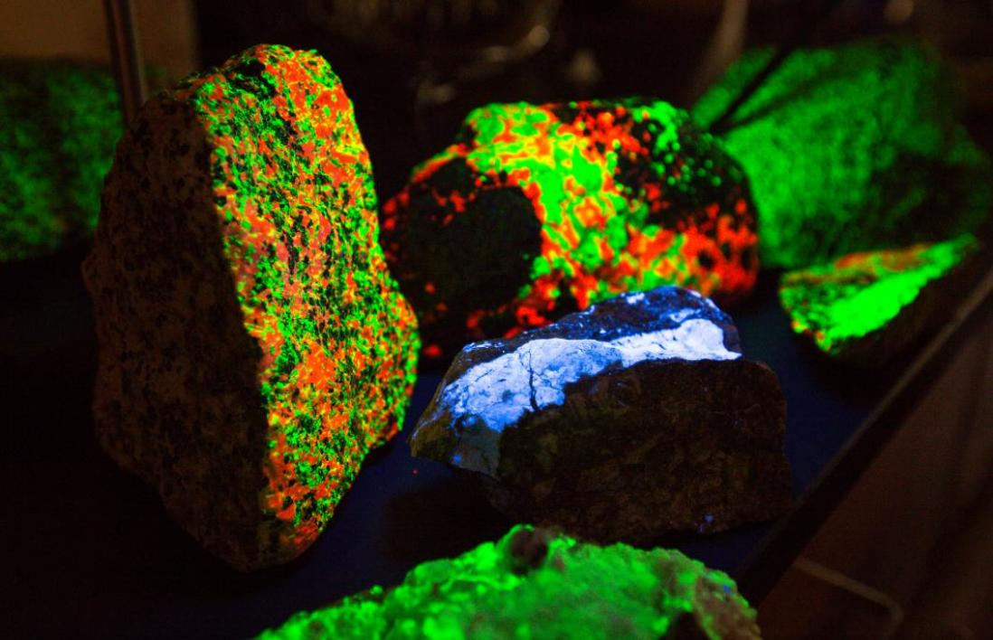 glowing minerals