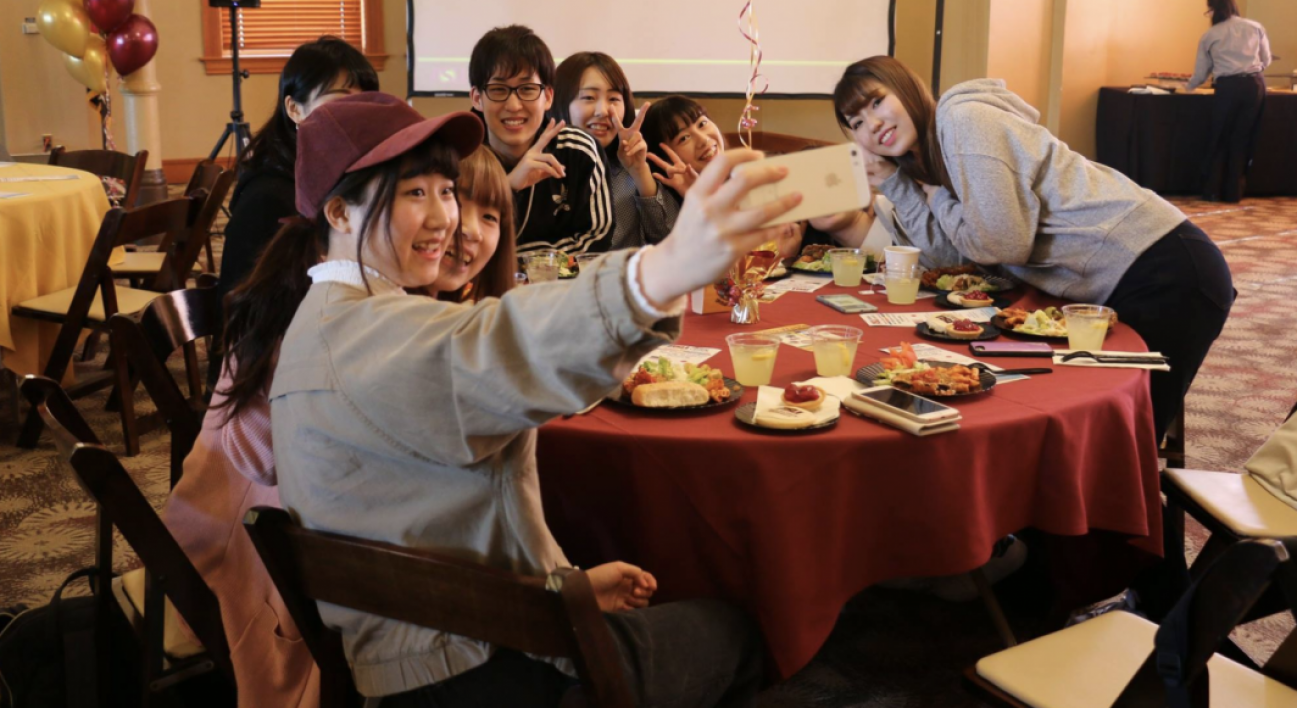 Hiroshima Shudo students at welcome luncheon.