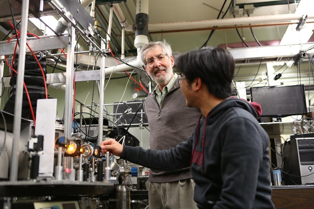 Tim Steimle mentoring a student