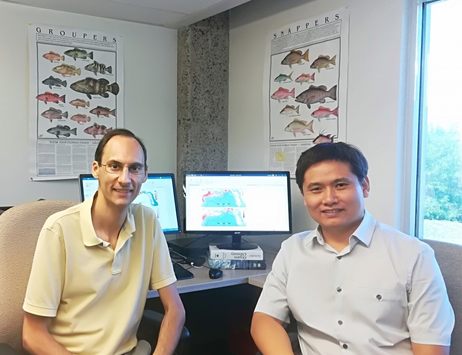 Assistant professor Steven Saul and Xuetao Lu
