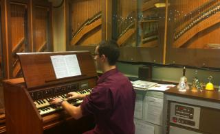 student playing carillon