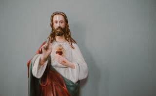 small jesus christ figurine