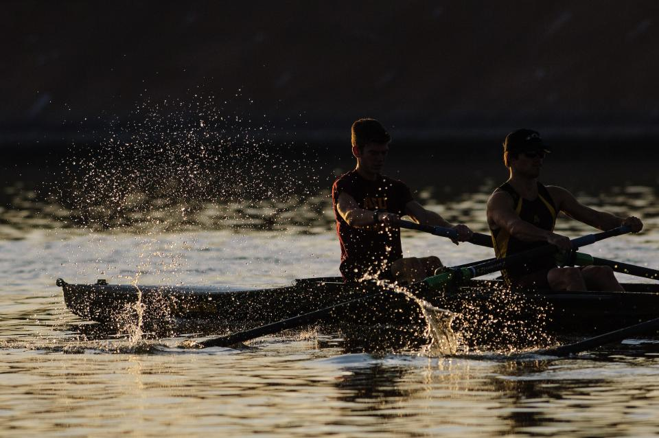 Rowers on Tempe Town Lake