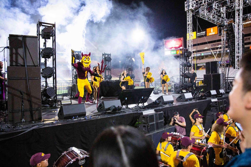 Sparky, cheerleaders and the Sun Devil Marching Band