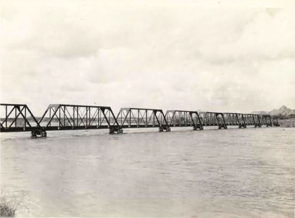 Union Pacific Salt River Bridge in Tempe as completed in 1912
