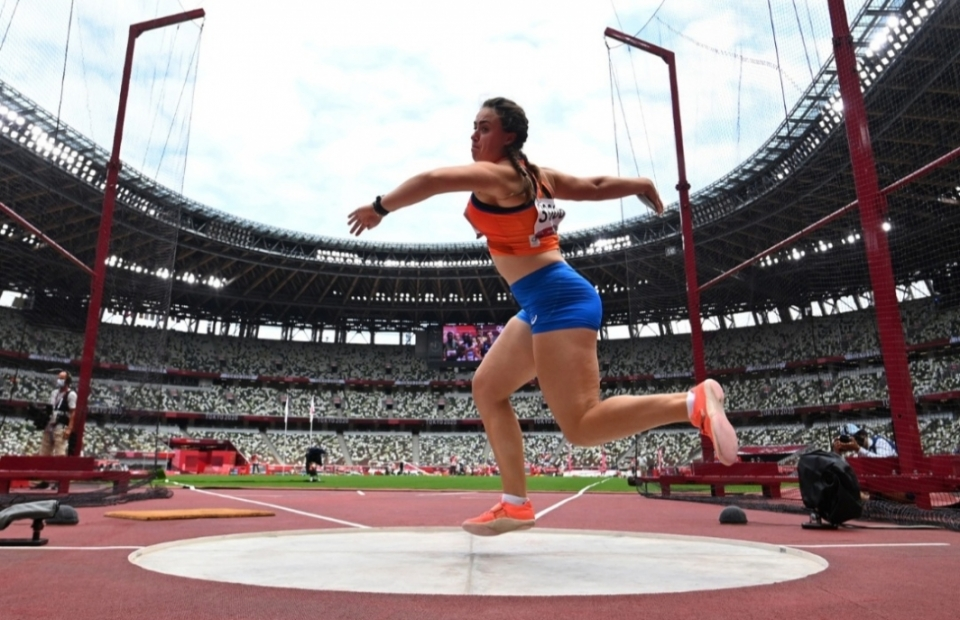 woman throwing a discus